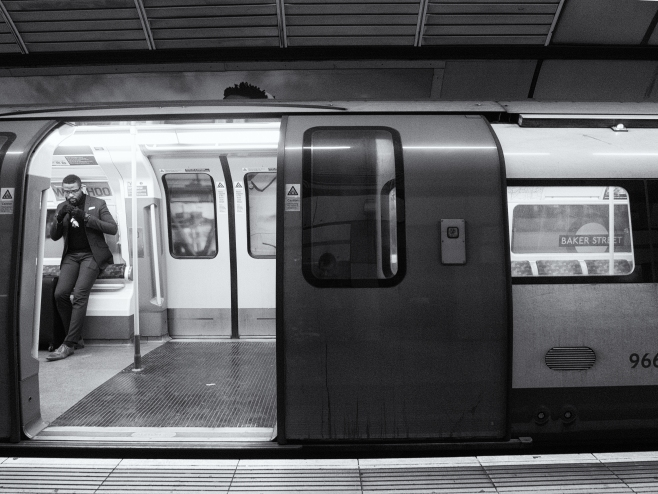 20180115-ap-london-tube-series-223231-final_edit_bw